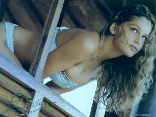 laetitia casta from sismesis.blogspot.com.au
