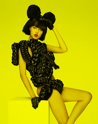 lindsey wixson by anthony maule & brandon maxwell for v-magazine from imageamplified.com